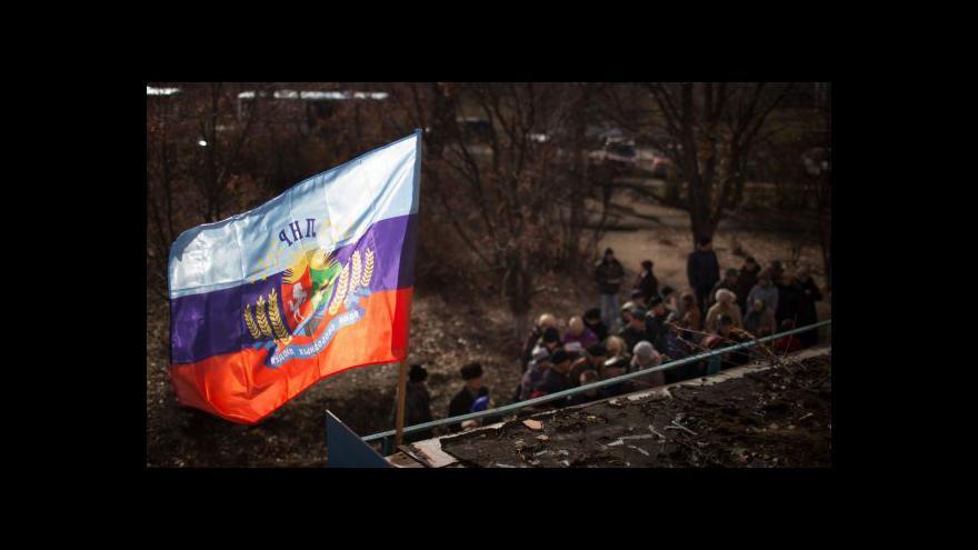 Video Karas: Lidé čekali i několik hodin v mrazu