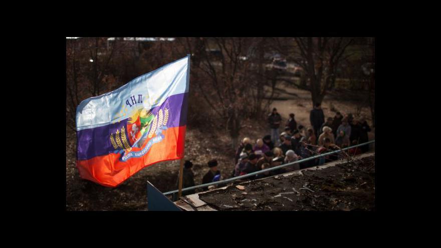 Video Volby na východě Ukrajiny vyhráli dosavadní lídři separatistů
