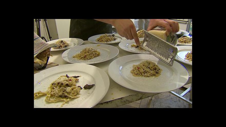 Video Na jidelních lístcích se objeví i alergeny v jídlech