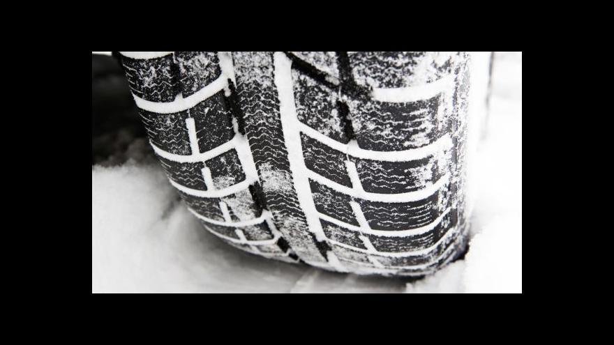 Video Značka zimní výbava půjde na silnice podle uvážení silničářů