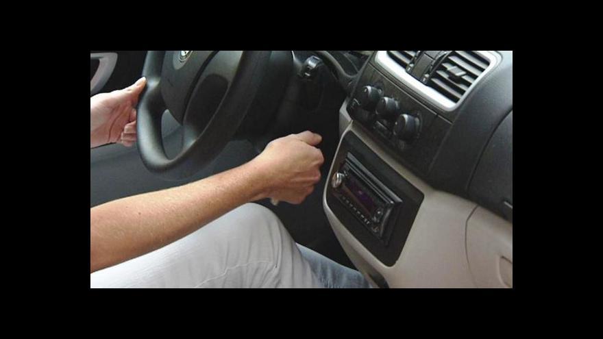 Video Zkušební řidičáky míří na vládu