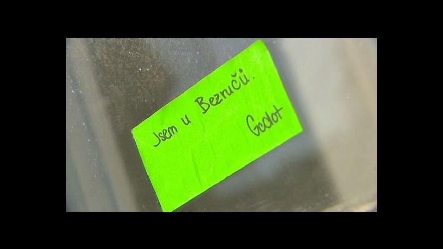 Video Jak se čeká na Godota u Bezručů
