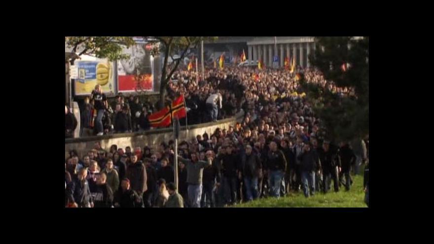 Video Fotbaloví násilníci jsou zpět na scéně