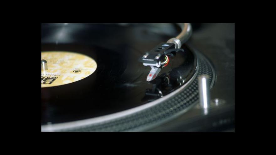 Video Brazilský podnikatel chce vytvořit největší sbírku vinylů
