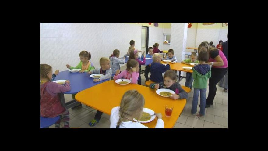 Video Peníze na dětské obědy