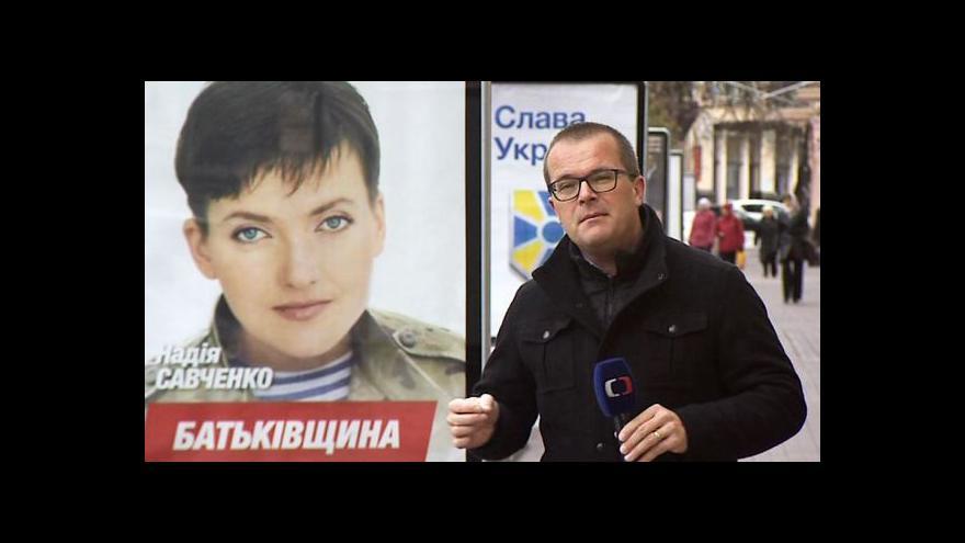 Video Na ukrajinských kandidátkách je několik vojáků