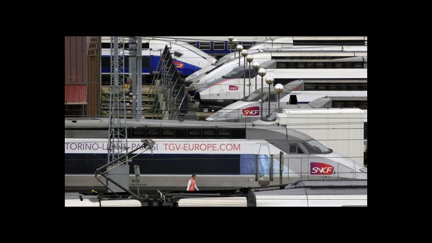 Video TGV i přes ztráty buduje další tratě