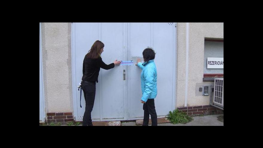Video Hradečtí patiroti napadli počítání hlasů