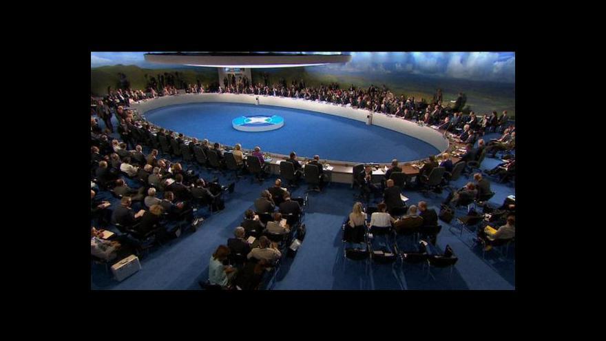 Video Mynář nakonec na střežený summit NATO nejel