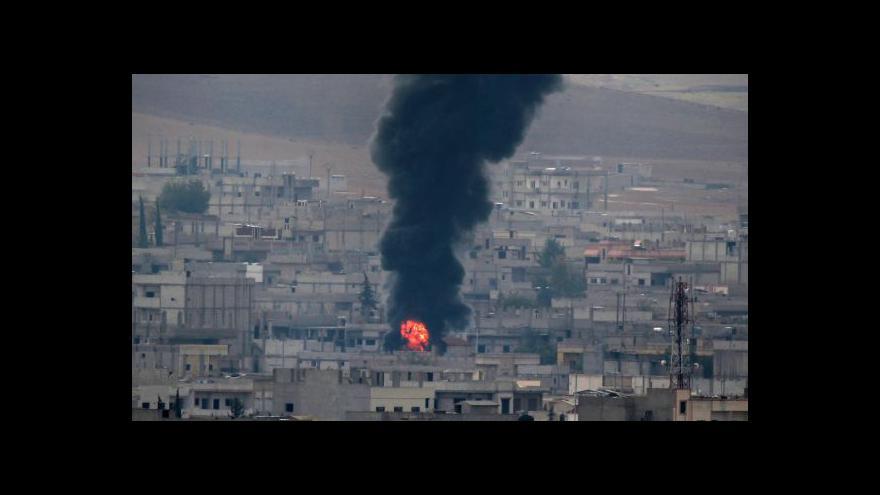 Video Kurdové se dočkali zásilky s pomocí od USA