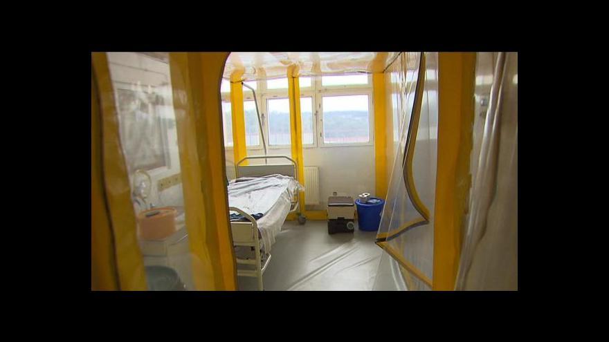 Video Infekcionista: Opatření na letištích nepovažuji za přehnaná