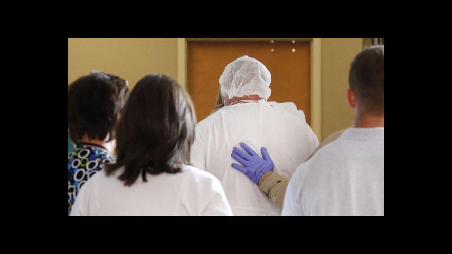 Video Ebola v USA: Nemocnice se omlouvá za pochybení