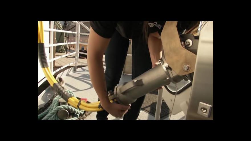 Video Švédská loď funguje na hybridní baterii