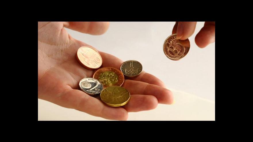 Video Místo zvýšení platů dostanou zdravotníci na konci roku odměny