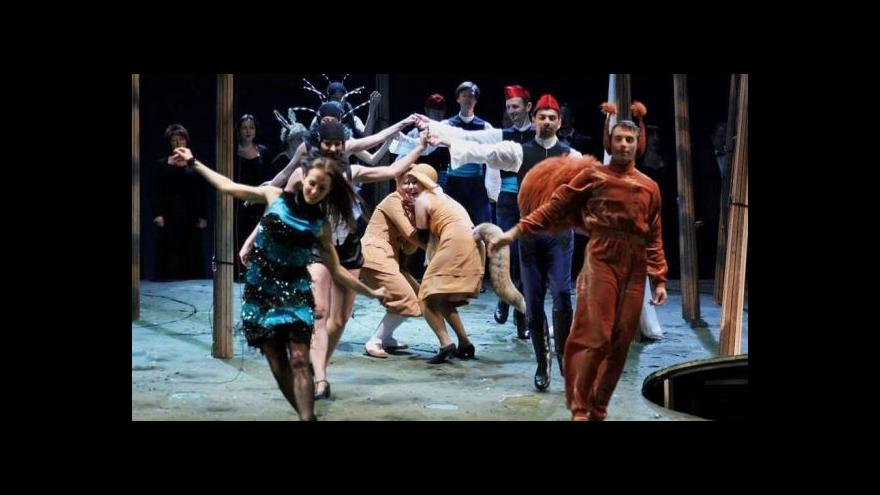 Video Devadesát let opery Příběhy lišky Bystroušky
