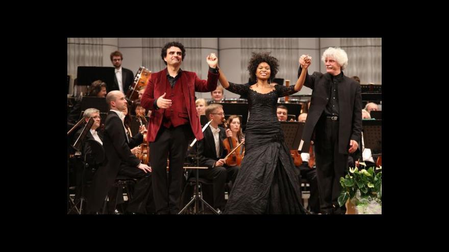 Video Rolando Villazón zpíval s Filharmonií Bohuslava Martinů