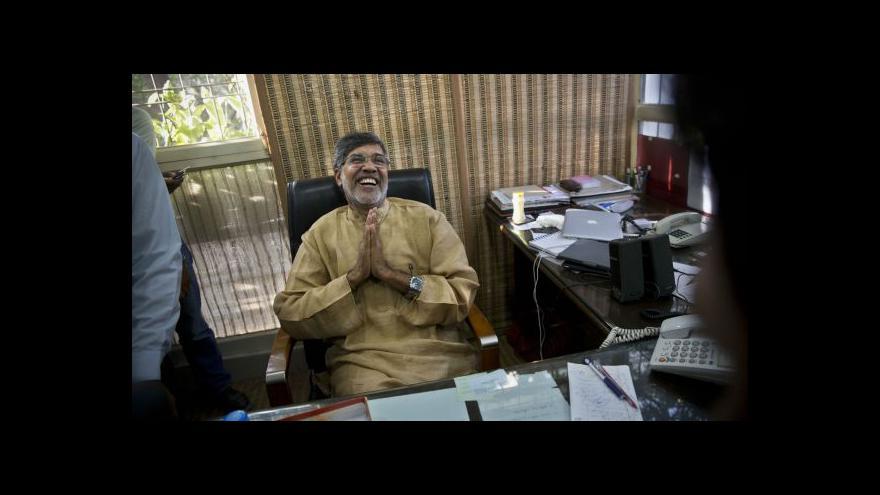 Video Indolog o Satjárthím: Jeho boj je bojem s větrnými mlýny