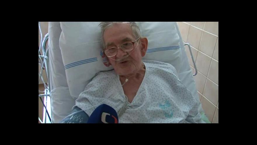 Video Volí i pacienti v nemocnicích, například Jaroslav Mach ve FN Brno