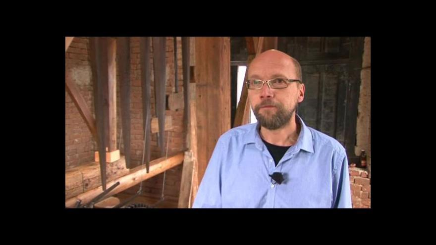 Video O pérovém zvonění hovoří farář Pavel Freitinger