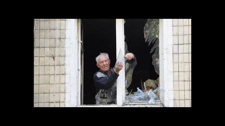 Video Zpravodaj ČT exkluzivně z Doněcku, kde lidé příměří neznají