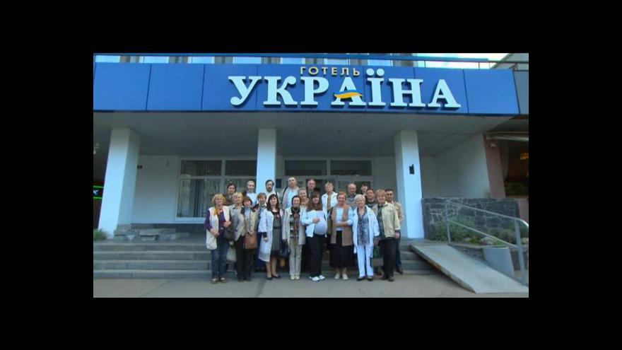 Video České rodiny na Ukrajině chtějí zpět domů