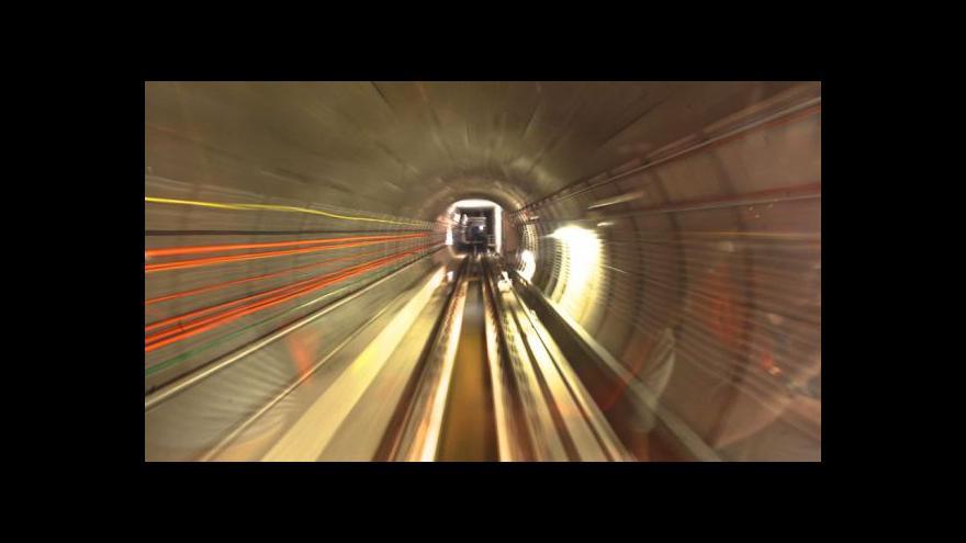Video Den otevřených dveří prodlouženého úseku metra A