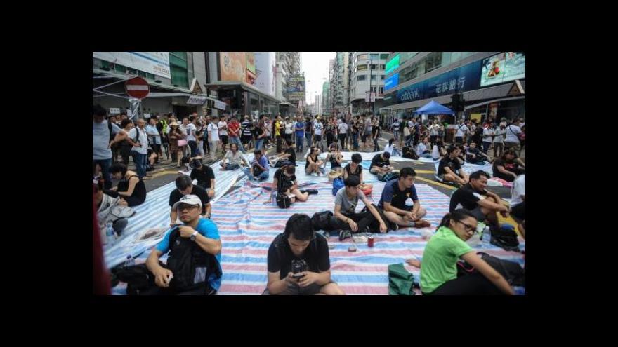 Video Kdo stojí v čele demonstrantů v Hongkongu