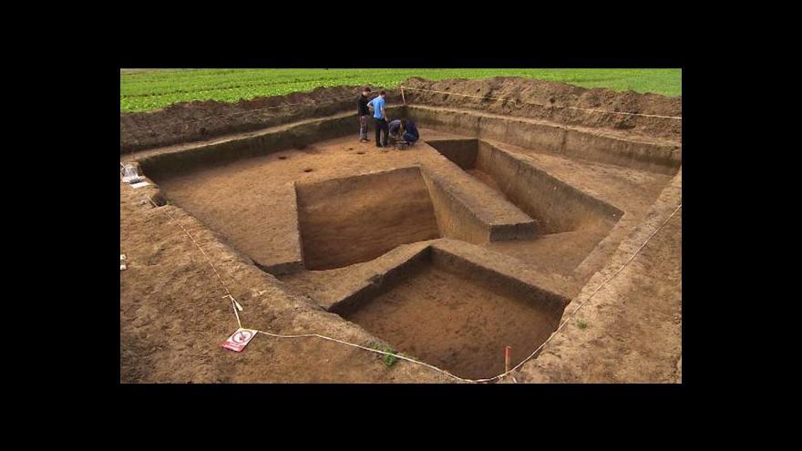 """Video U Hradce Králové našli archeologové """"Stonehenge"""""""