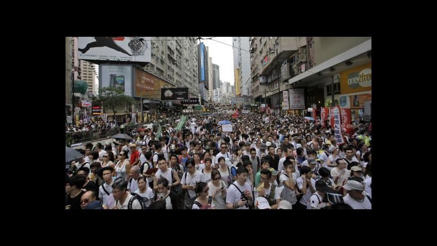 Video V Hongkongu klid před očekávanou bouří