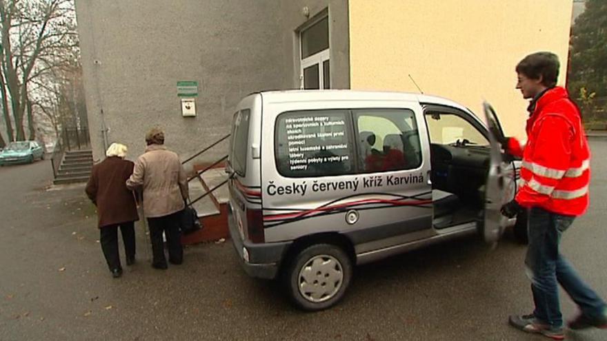 Video Senior taxi v Karviné