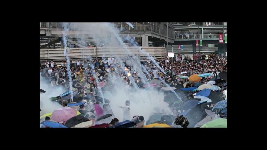 Video V Hongkongu se tvrdě demonstruje za demokratické volby