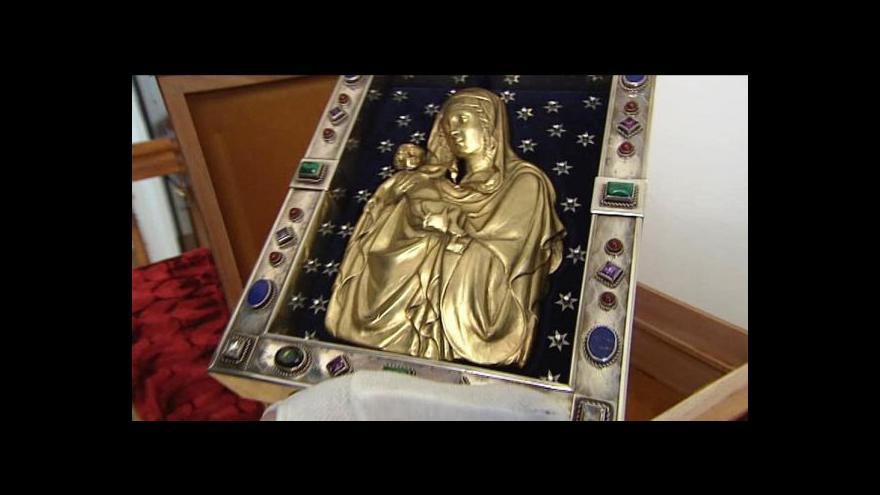 Video Malý reliéf s významem korunovačních klenotů