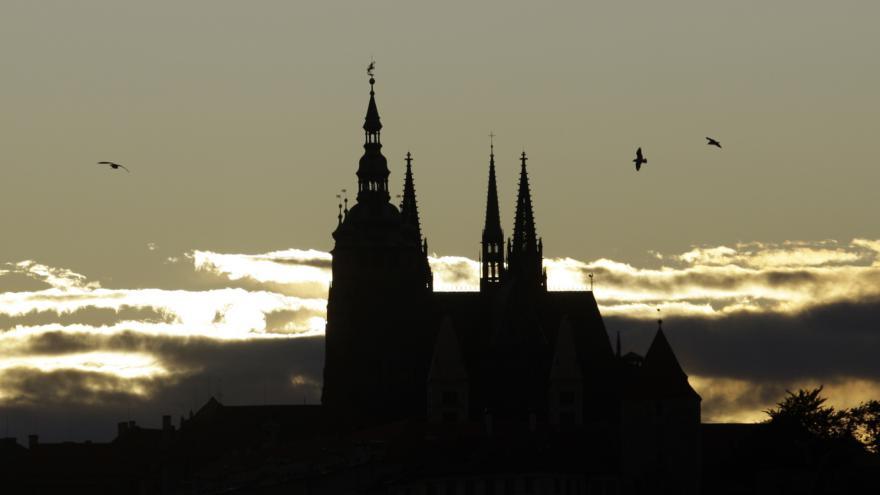 Video Náš Karel IV. - Víra, duchovní svět