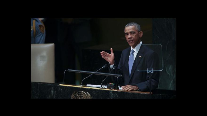 """Video Obama slíbil """"zničit smrtící síť"""" bojovníků IS"""
