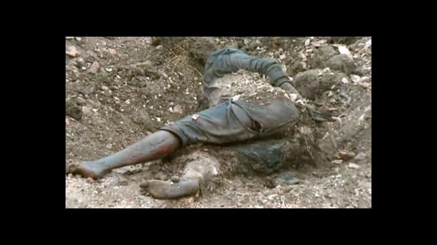 Video Na Ukrajině se našly masové hroby