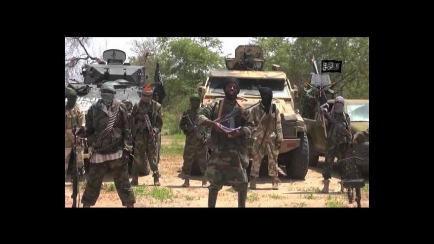 Video 260 příslušníků islámské organizace Boko Haram se vzdalo