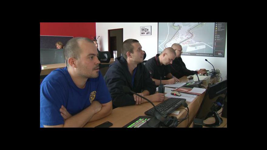 Video NO COMMENT: Bezpečnostní opatření v zázemí Masarykova okruhu