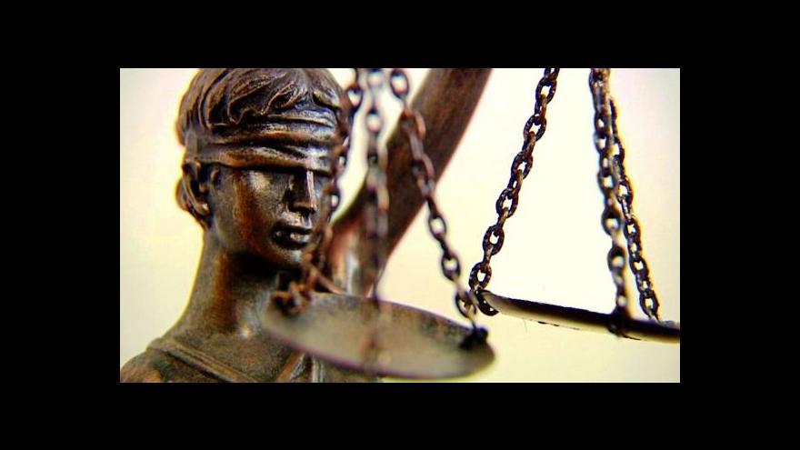 Video Zeman stojí za původní verzí návrhu zákona o státním zastupitelství