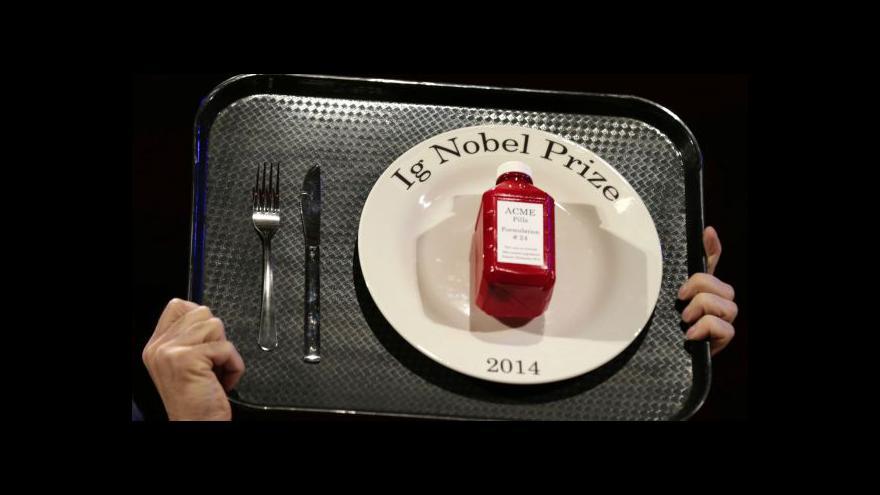 Video Žertovnou Nobelovu cenu získali i čeští vědci