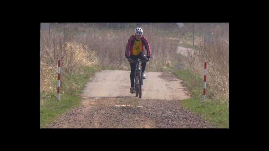 Video Asfaltová cyklostezka má v Jičíně odpůrce