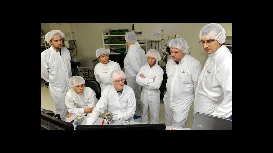 Video NO COMMENT: Výroba špičkových elektronových mikroskopů