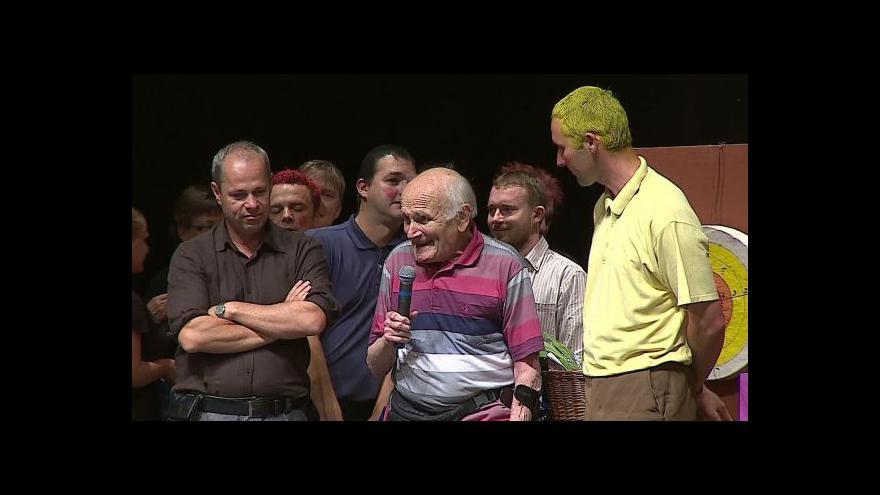 Video O postavě Jindry hovoří skutečný Jindřich Hojer