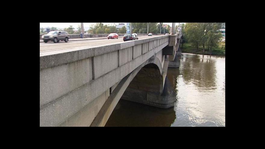Video Praha chystá tendr na opravu Libeňského mostu za 2 mld.