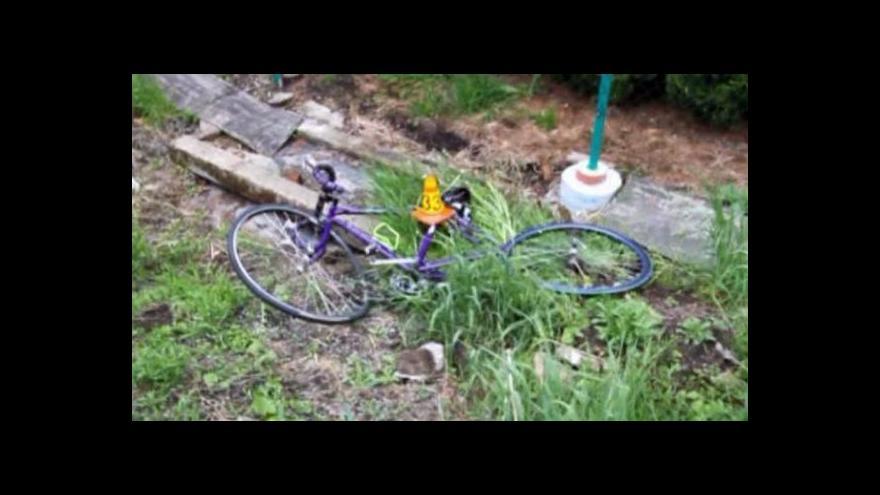 Video Jízdním kolům chybějí odrazky, cyklisté umírají