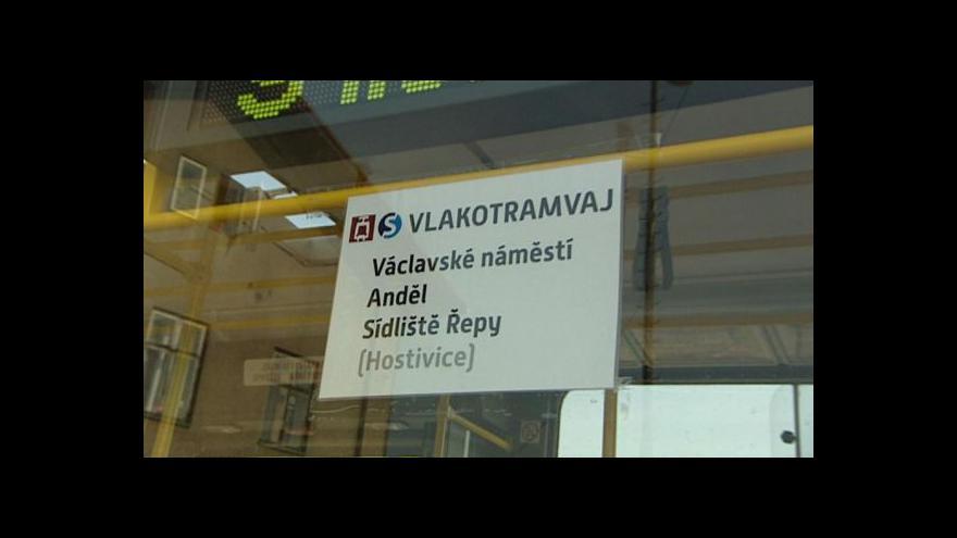 Video Vlakotramvaj může jezdit z Prahy do Mělníka i Hostivice