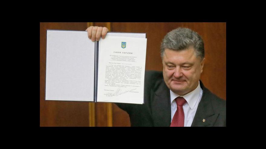 Video Ukrajinští i evropští poslanci ratifikovali asociační dohodu