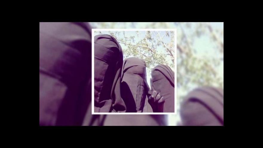 Video K islamistům se přidávají i mladé ženy ze Západu
