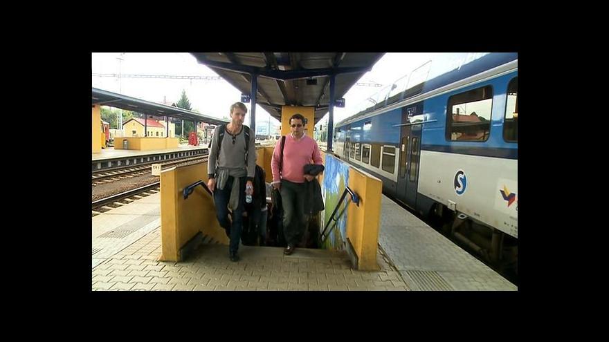 Video Spisovatelé čtou ve vlaku