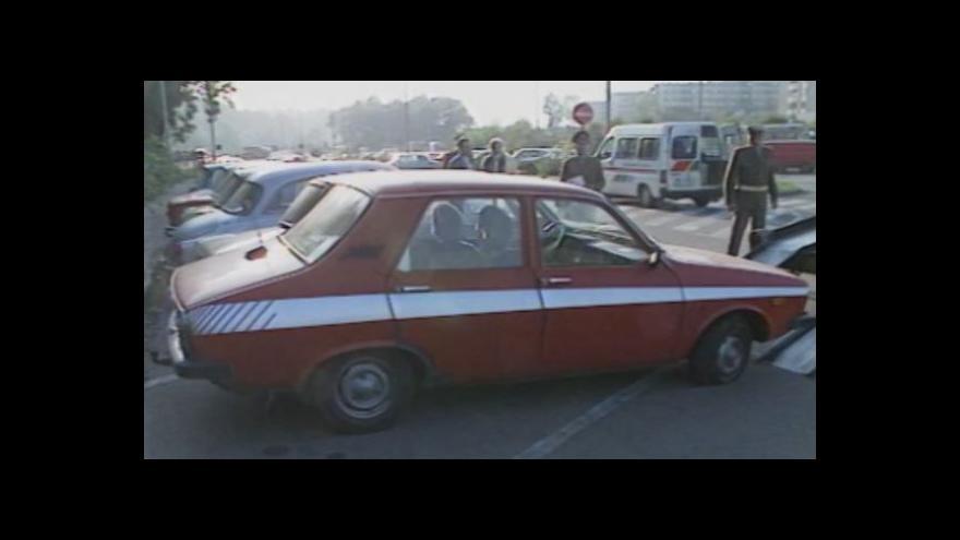 Video Podzim 1989: Jak východní Němci jeli přes ambasádu NSR na Západ