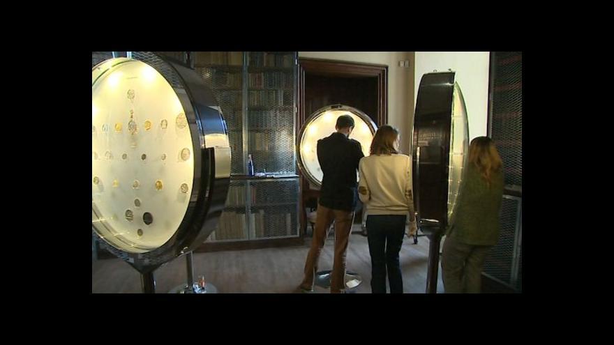 Video Mince a medaile na kroměřížském zámku